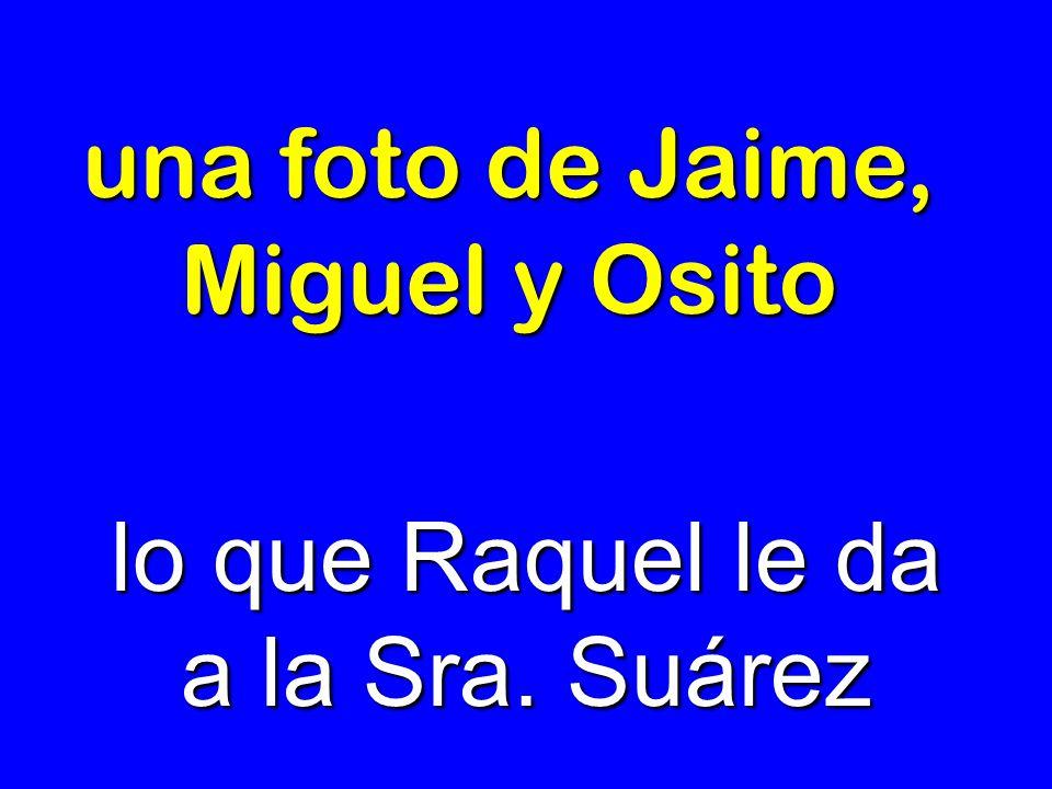 una foto de Jaime, Miguel y Osito