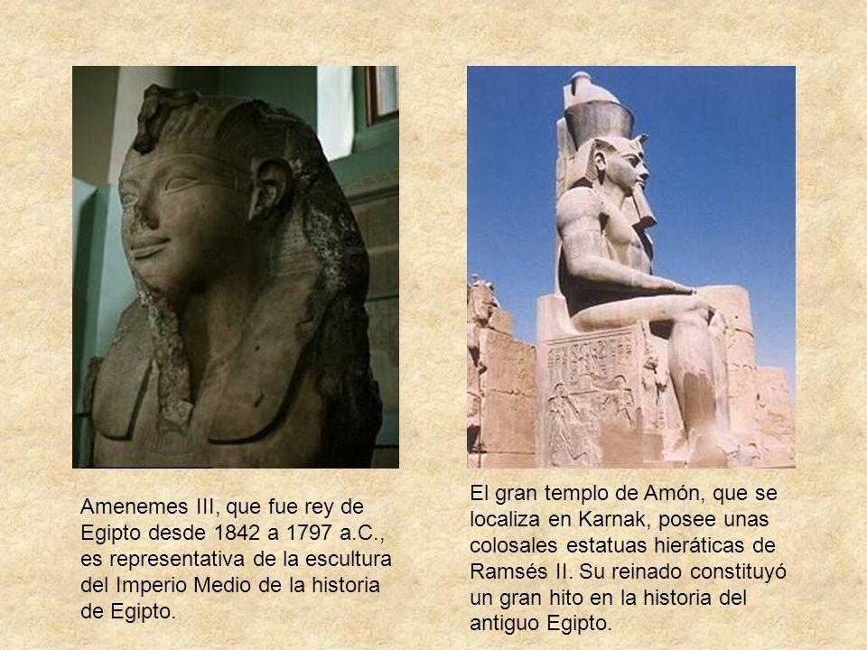 El gran templo de Amón, que se localiza en Karnak, posee unas colosales estatuas hieráticas de Ramsés II. Su reinado constituyó un gran hito en la historia del antiguo Egipto.