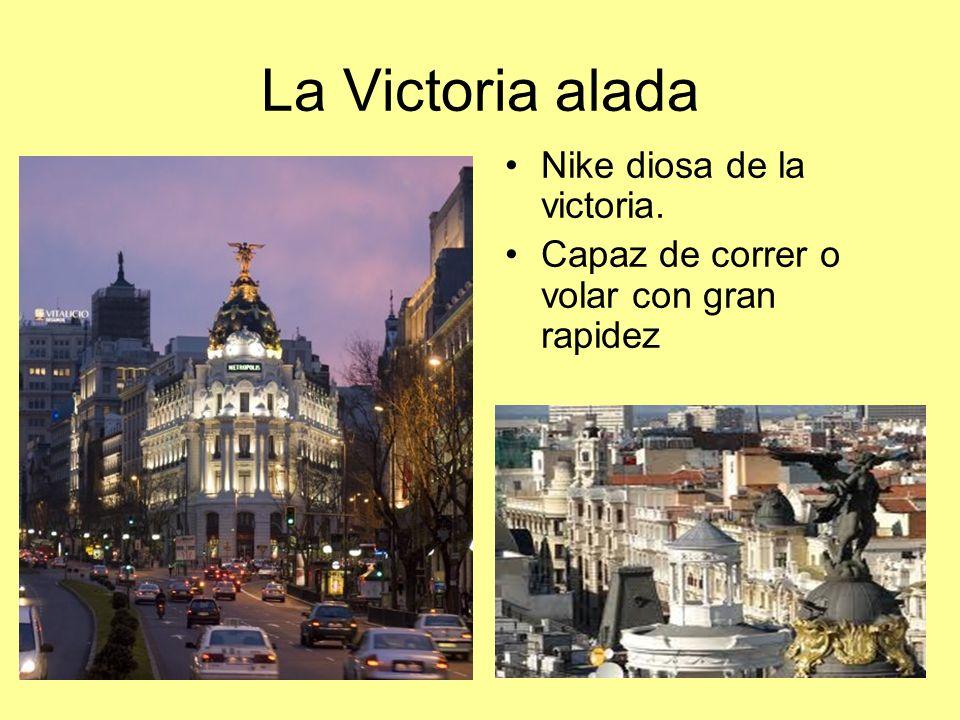 La Victoria alada Nike diosa de la victoria.