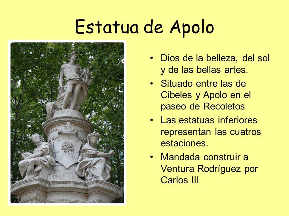 Estatua de Apolo Dios de la belleza, del sol y de las bellas artes.