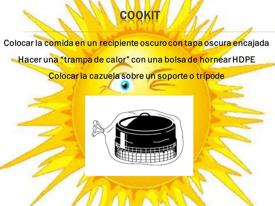 COOKIT Colocar la comida en un recipiente oscuro con tapa oscura encajada. Hacer una trampa de calor con una bolsa de hornear HDPE.