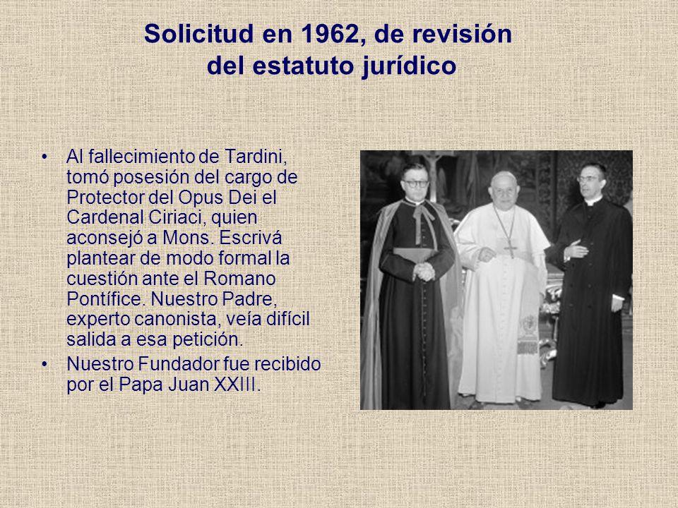 Solicitud en 1962, de revisión del estatuto jurídico