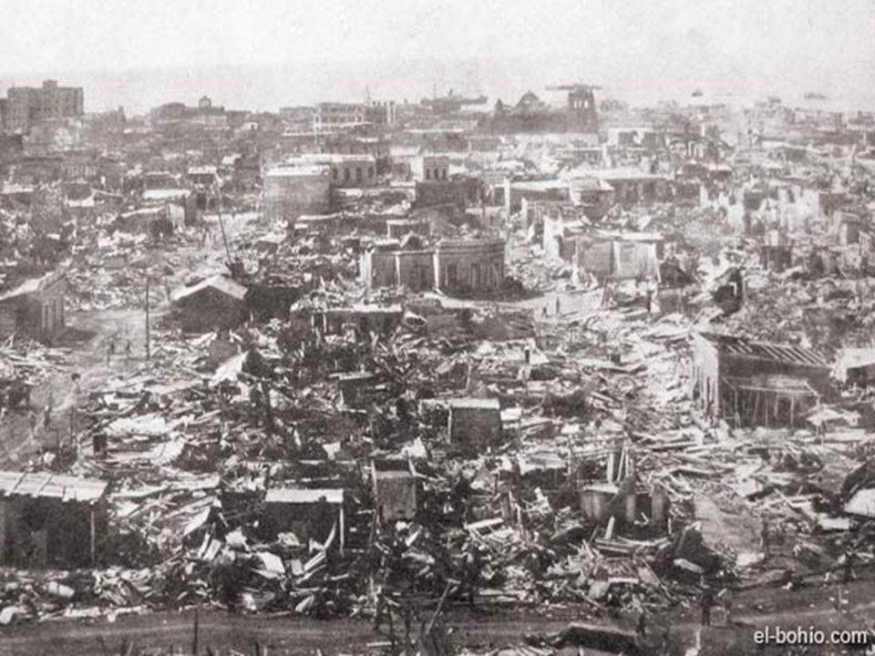 Los vientos máximos alcanzaron entre 220 y 240 Km/h; unas 4,500 personas perdieron la vida y mas de 20,000 quedaron heridos.