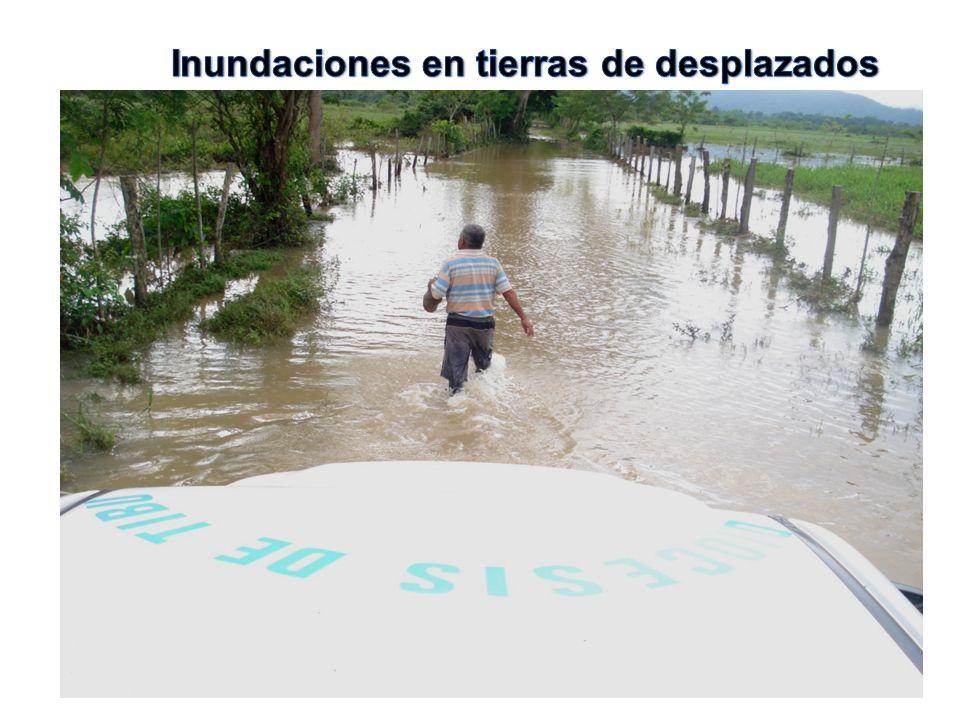 Inundaciones en tierras de desplazados