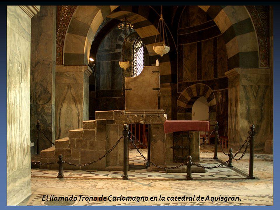 El llamado Trono de Carlomagno en la catedral de Aquisgran.