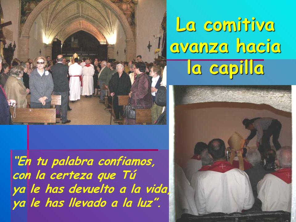 La comitiva avanza hacia la capilla