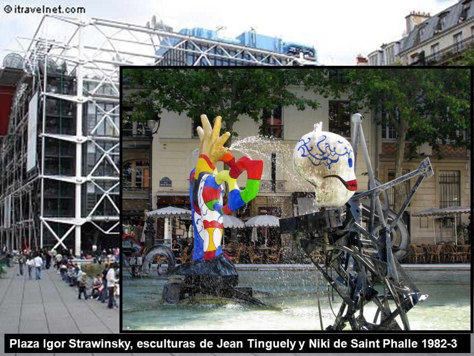 Plaza Igor Strawinsky, esculturas de Jean Tinguely y Niki de Saint Phalle 1982-3