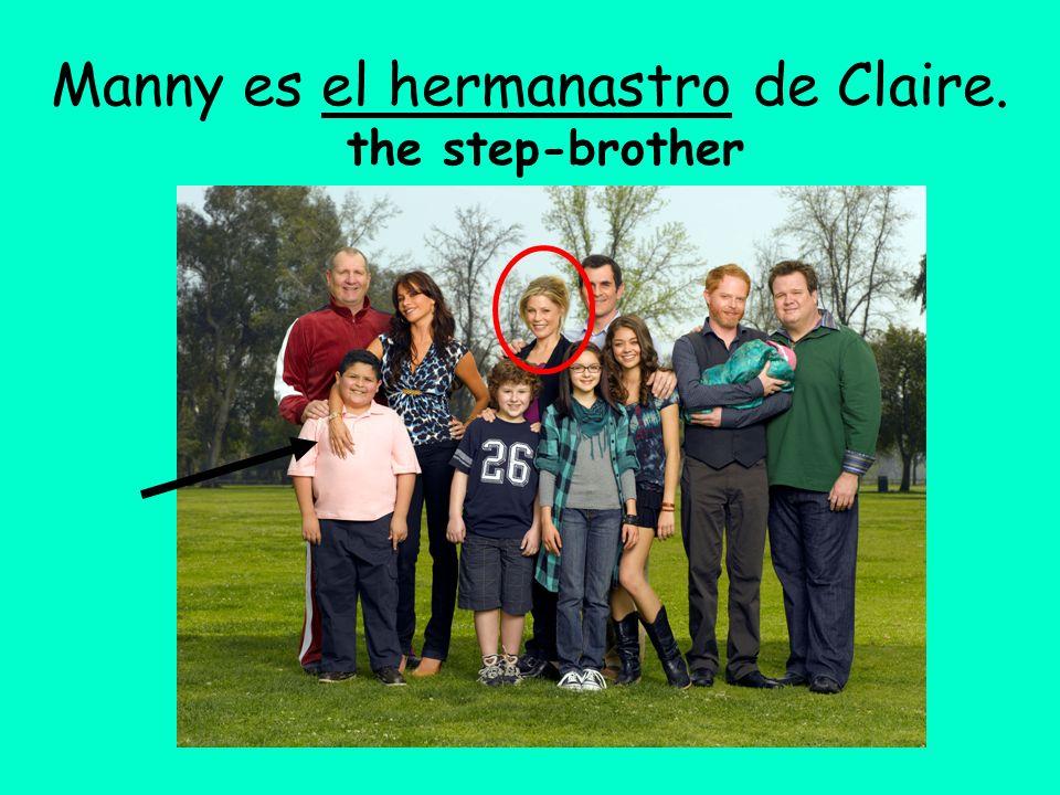 Manny es el hermanastro de Claire.