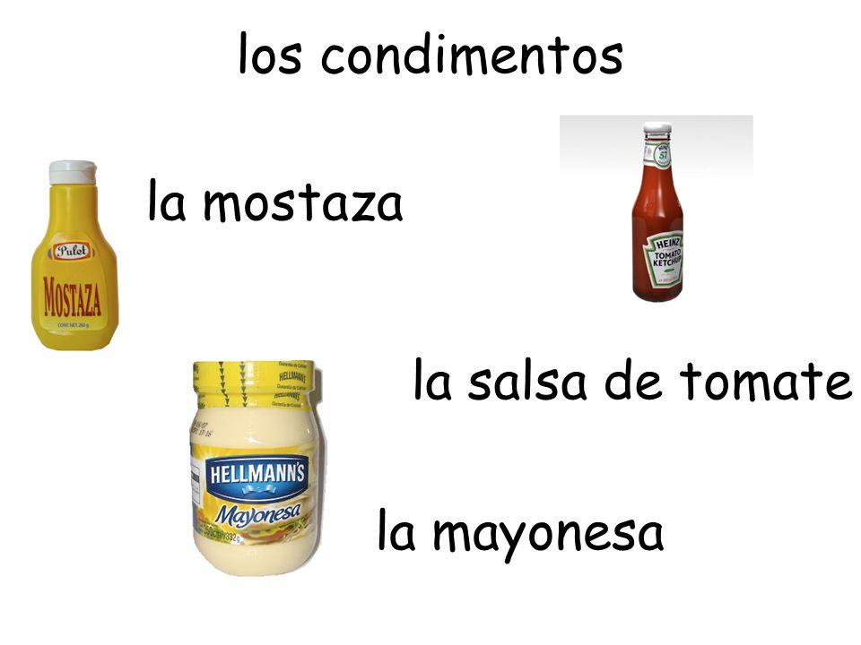los condimentos la mostaza la salsa de tomate la mayonesa