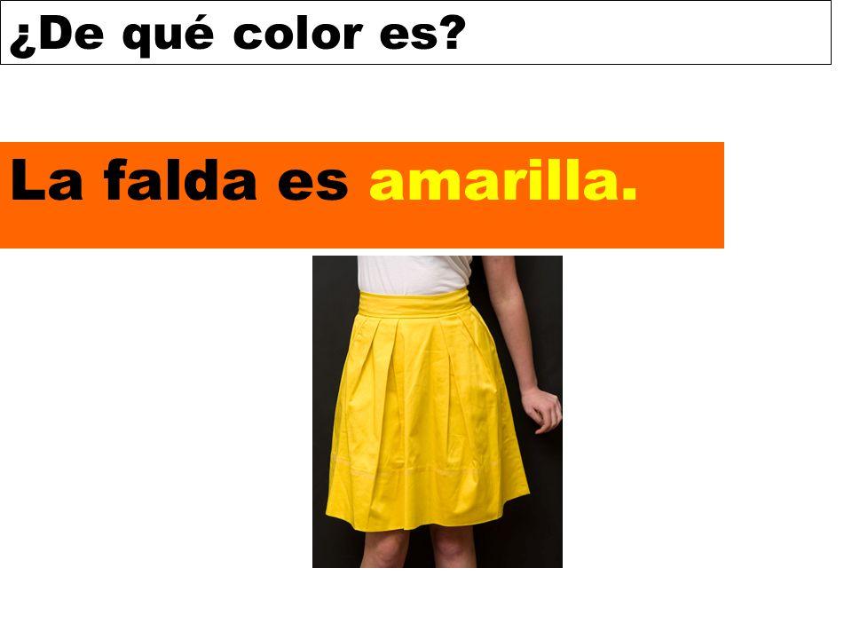 La falda es amarilla.