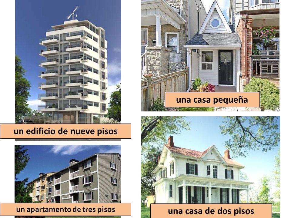 un edificio de nueve pisos un apartamento de tres pisos