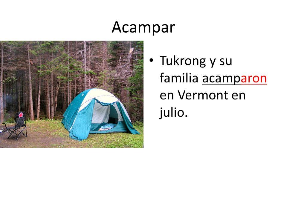 Acampar Tukrong y su familia acamparon en Vermont en julio.