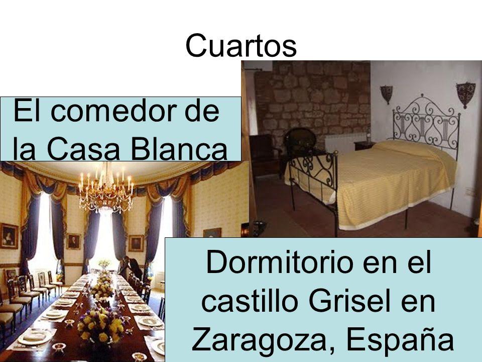 Cuartos El comedor de la Casa Blanca Dormitorio en el castillo Grisel en Zaragoza, España