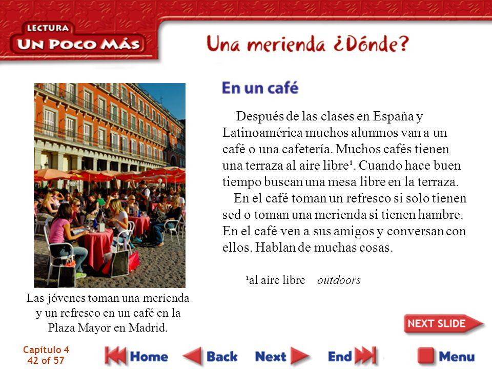 Después de las clases en España y Latinoamérica muchos alumnos van a un café o una cafetería. Muchos cafés tienen una terraza al aire libre¹. Cuando hace buen tiempo buscan una mesa libre en la terraza.