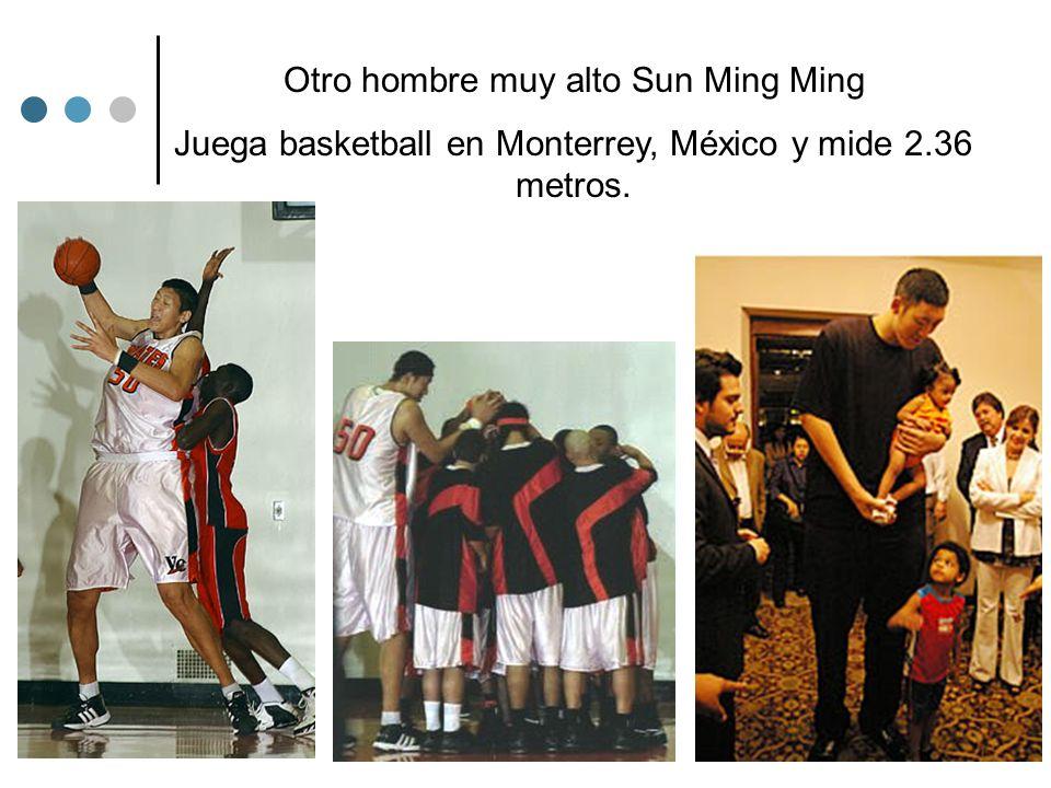 Otro hombre muy alto Sun Ming Ming