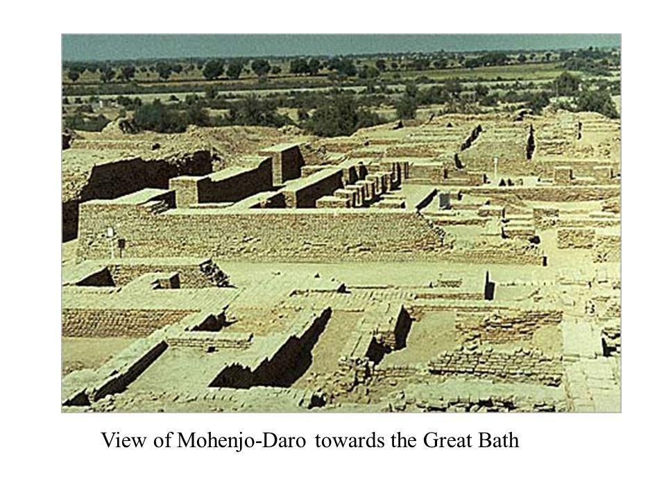 View of Mohenjo-Daro towards the Great Bath