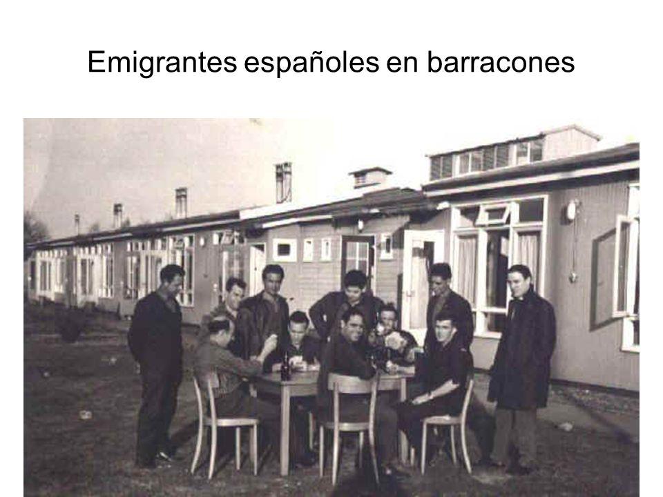 Emigrantes españoles en barracones