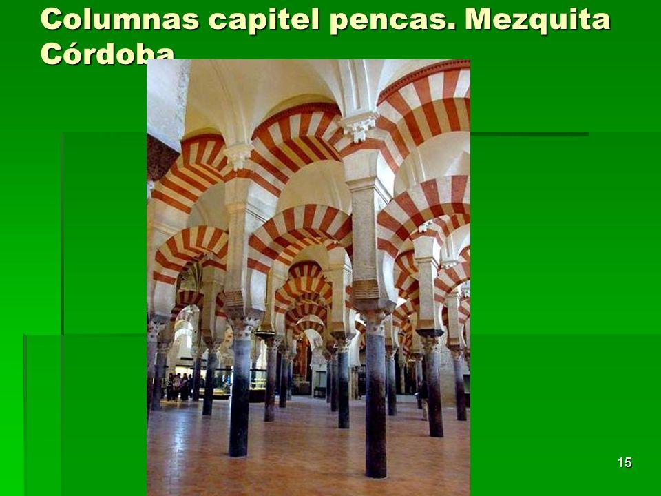 Columnas capitel pencas. Mezquita Córdoba