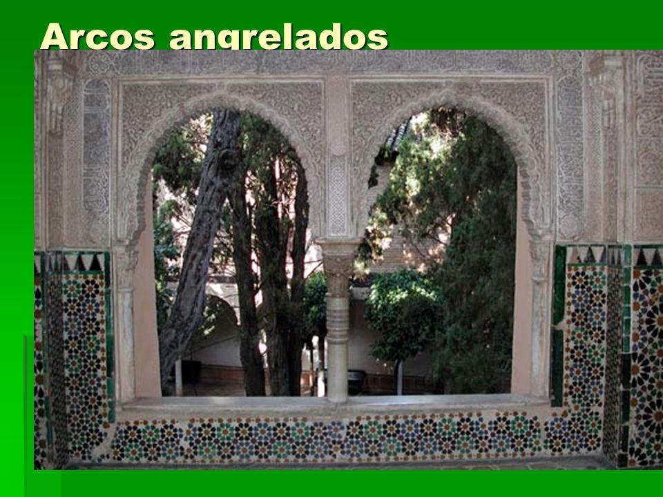 Arcos angrelados Arte islámico