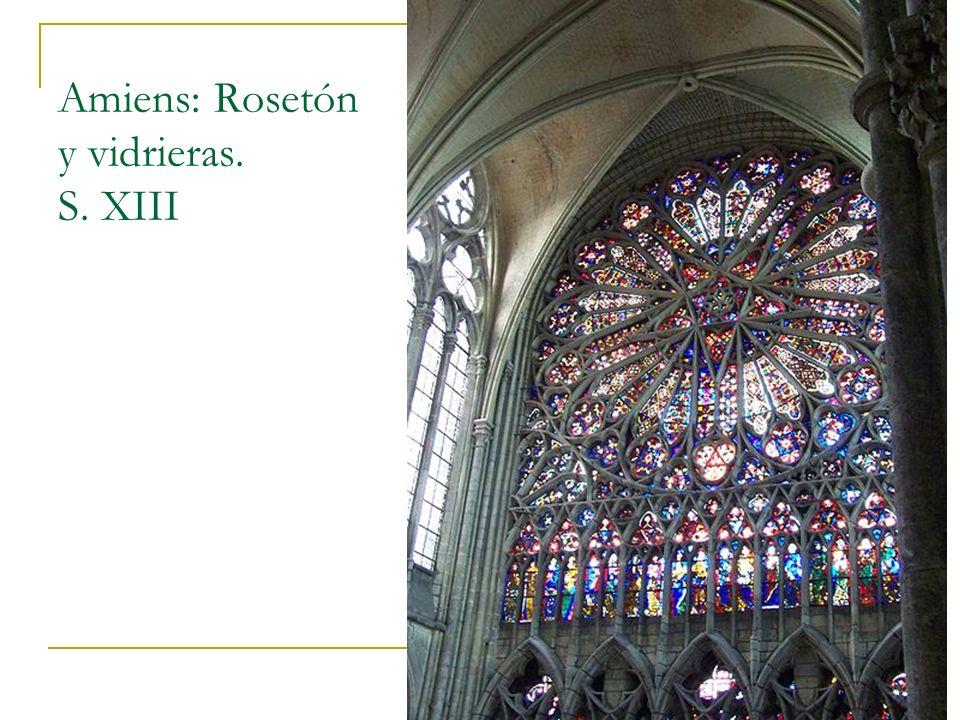 Amiens: Rosetón y vidrieras. S. XIII