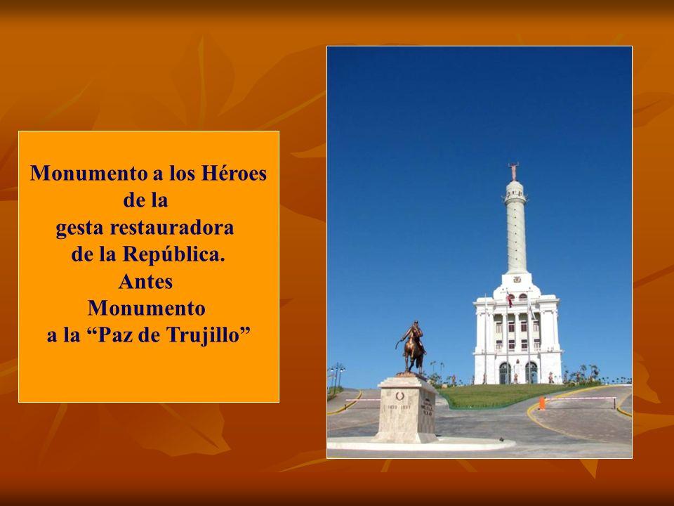 Monumento a los Héroes de la. gesta restauradora.