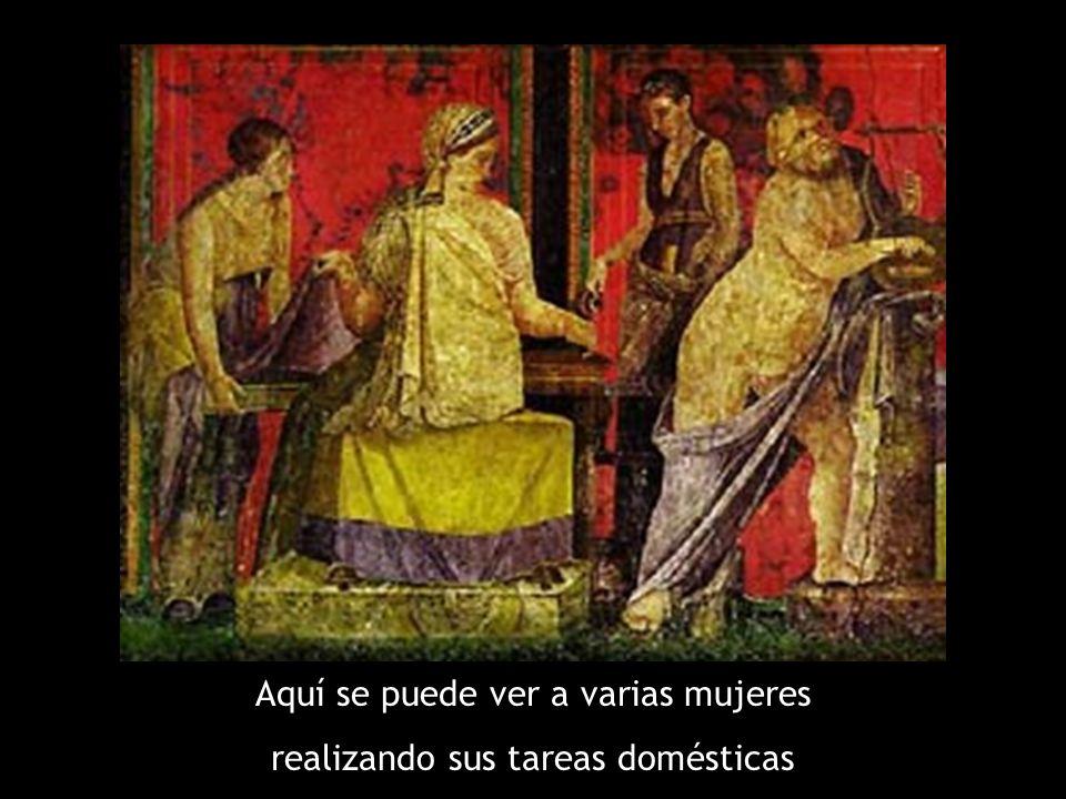 Aquí se puede ver a varias mujeres realizando sus tareas domésticas