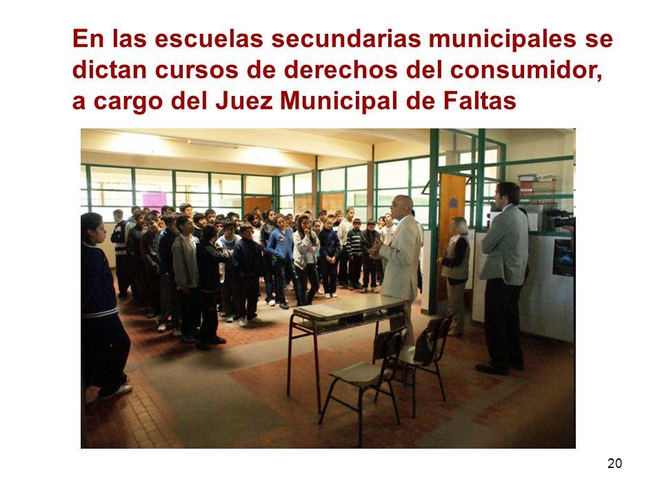 En las escuelas secundarias municipales se dictan cursos de derechos del consumidor, a cargo del Juez Municipal de Faltas