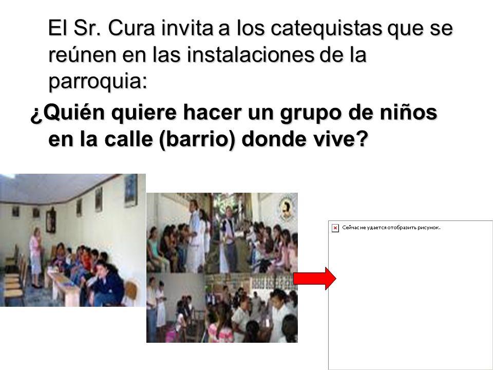 El Sr. Cura invita a los catequistas que se reúnen en las instalaciones de la parroquia: