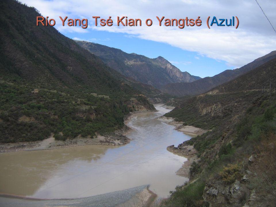Río Yang Tsé Kian o Yangtsé (Azul)
