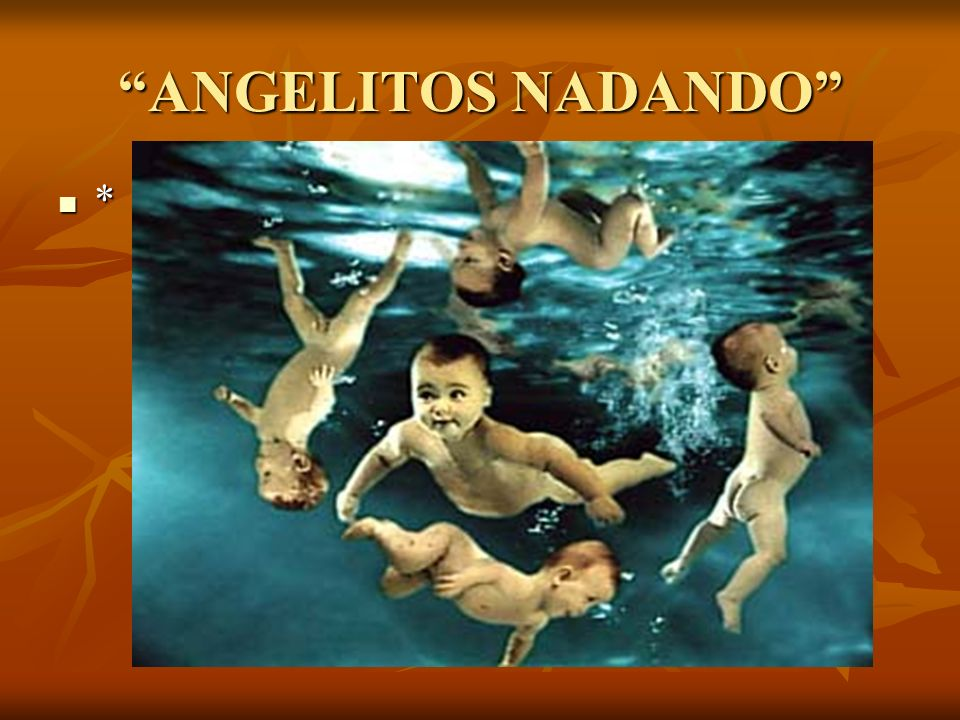 ANGELITOS NADANDO *