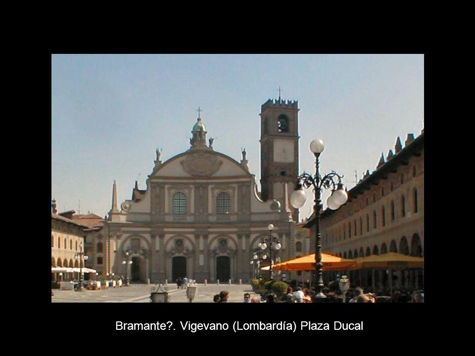 Bramante . Vigevano (Lombardía) Plaza Ducal