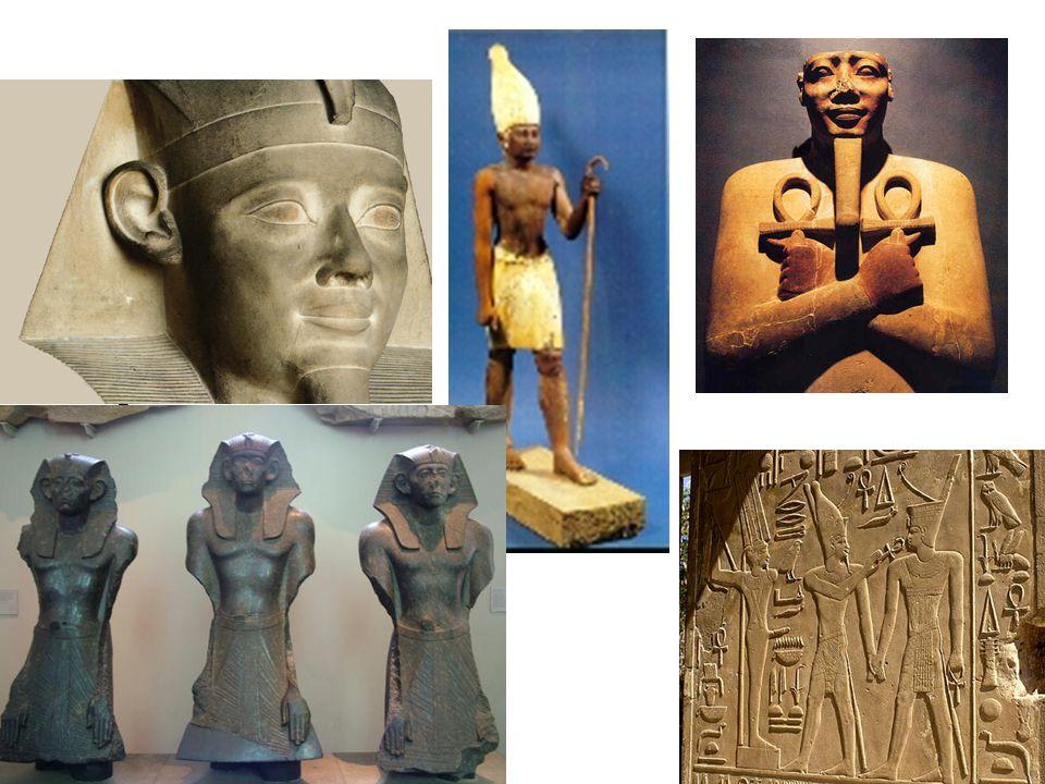 Imperio medio. Sesostris I y efigies de Sesostris III