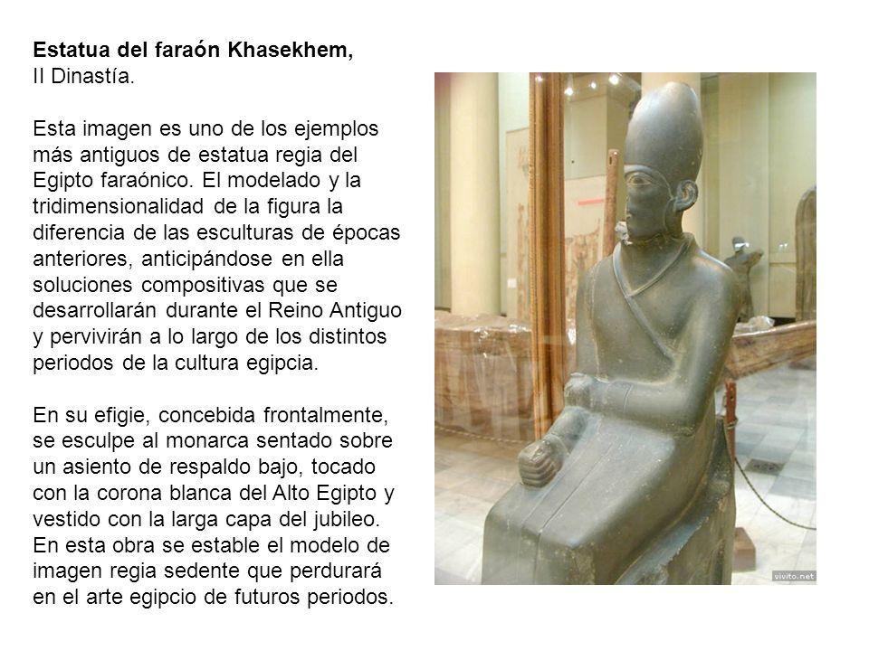 Estatua del faraón Khasekhem,