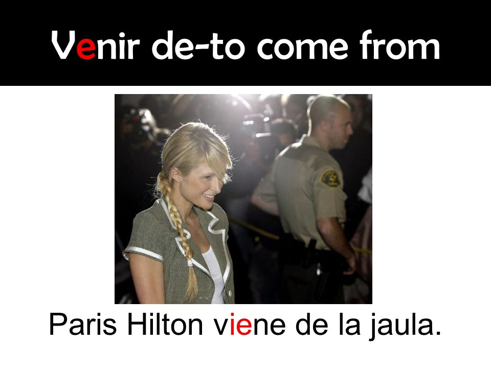 Paris Hilton viene de la jaula.