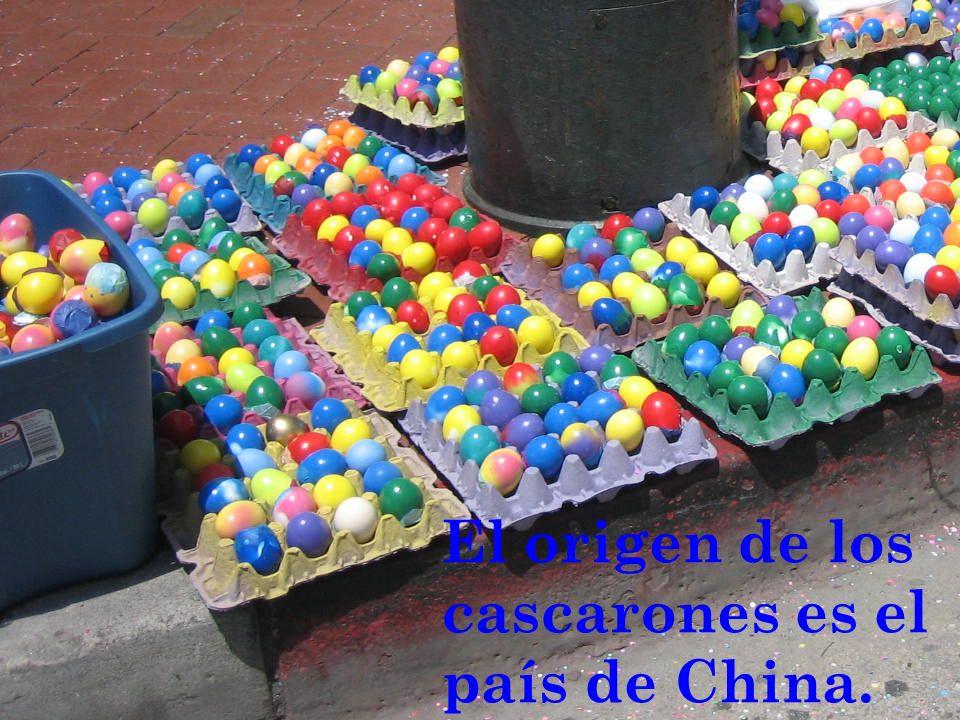 El origen de los cascarones es el país de China.