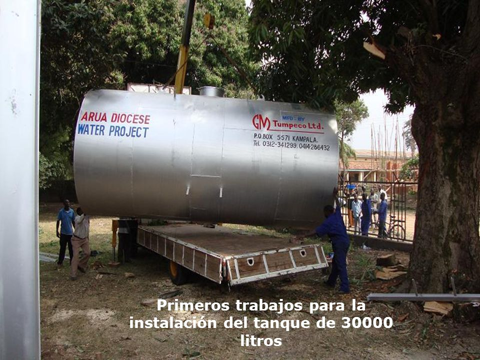 Primeros trabajos para la instalación del tanque de 30000 litros