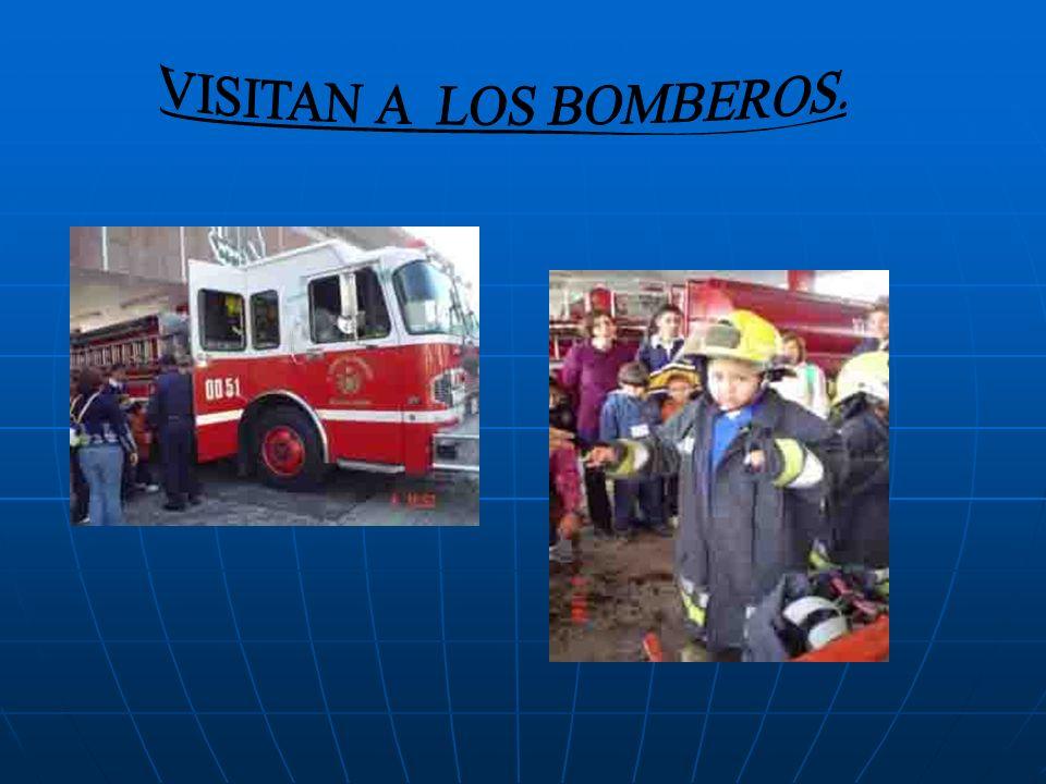 VISITAN A LOS BOMBEROS.