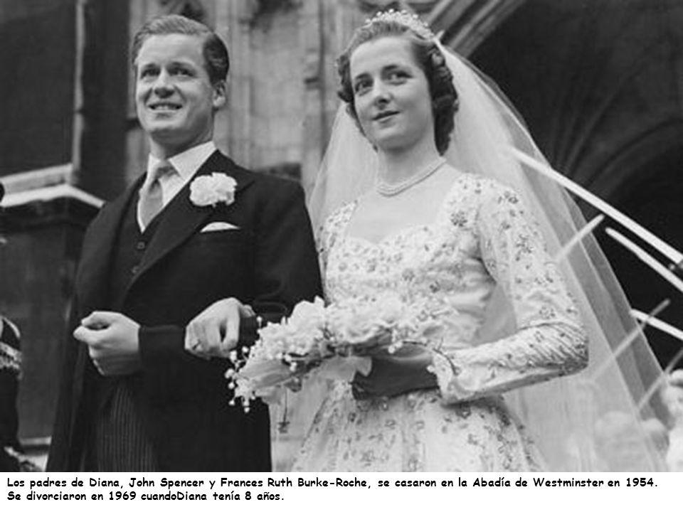 Los padres de Diana, John Spencer y Frances Ruth Burke-Roche, se casaron en la Abadía de Westminster en 1954.