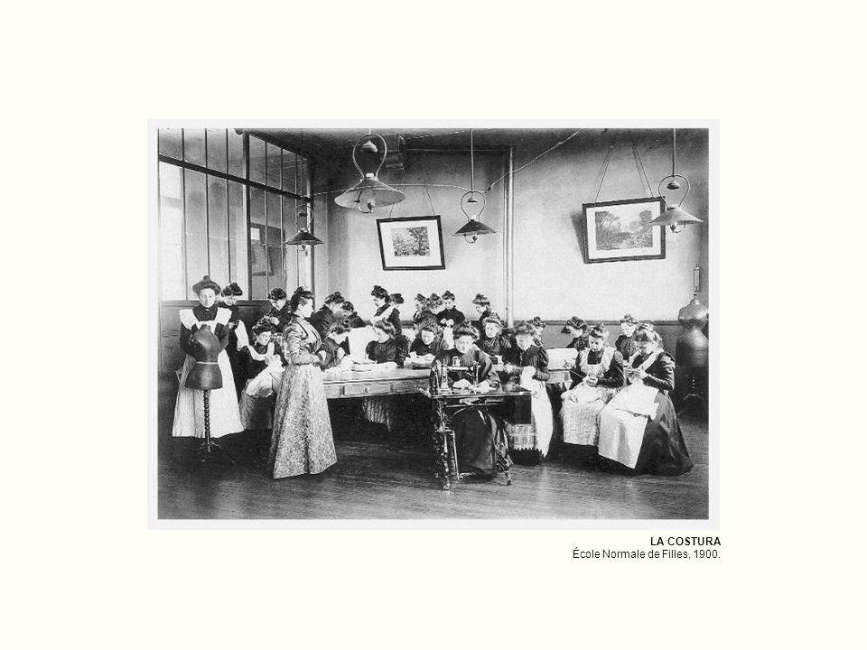 LA COSTURA École Normale de Filles, 1900.