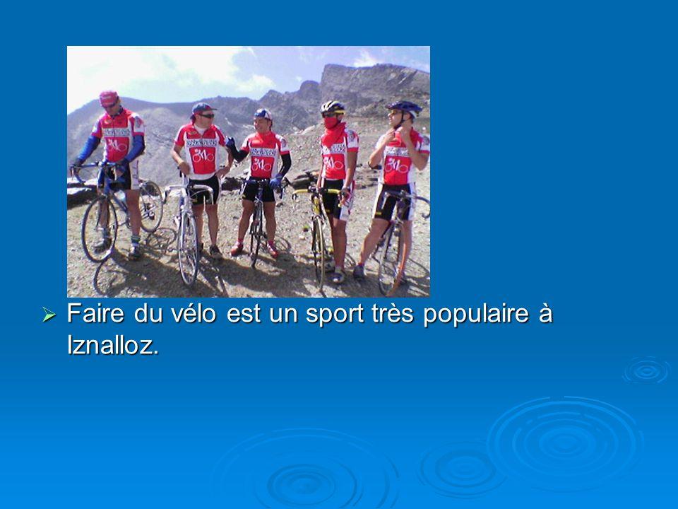 Faire du vélo est un sport très populaire à Iznalloz.