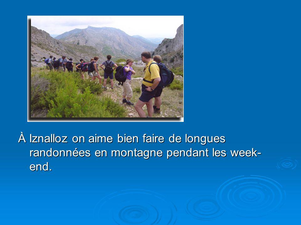 À Iznalloz on aime bien faire de longues randonnées en montagne pendant les week-end.