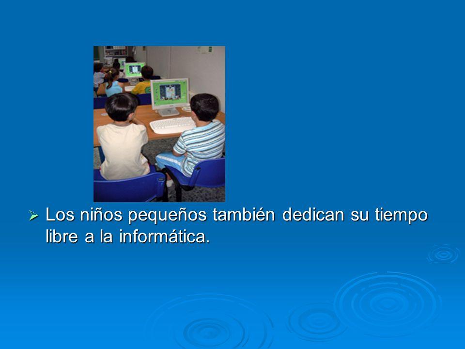 Los niños pequeños también dedican su tiempo libre a la informática.