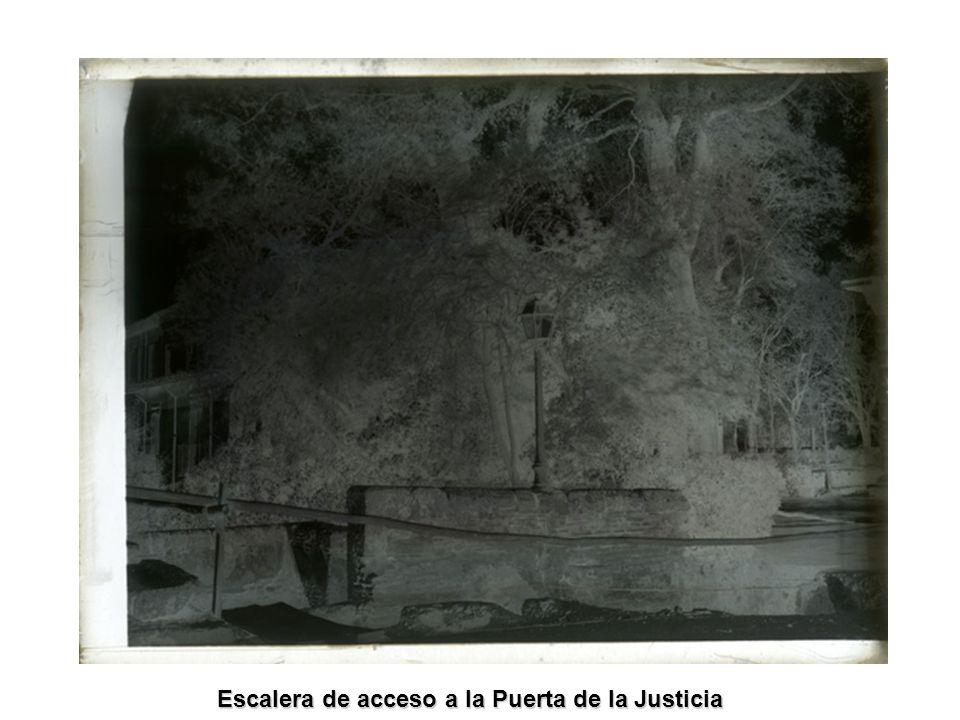 Escalera de acceso a la Puerta de la Justicia