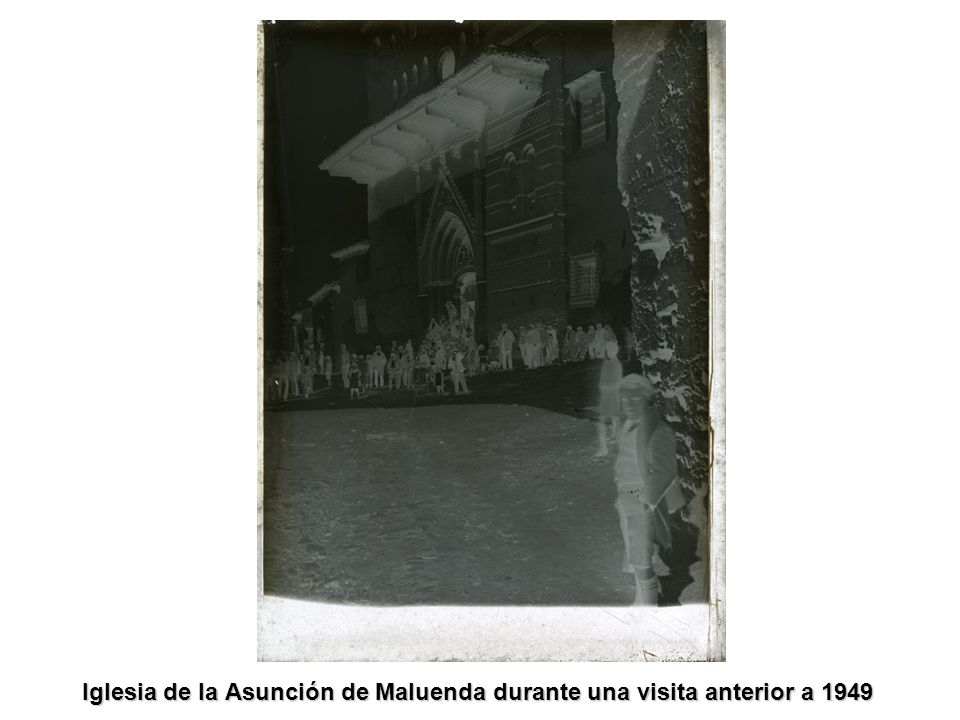Iglesia de la Asunción de Maluenda durante una visita anterior a 1949