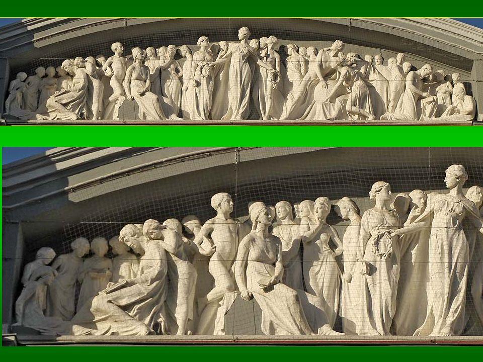 Altorrelieves neoclásicos en un friso con 41 estilizadas figuras.