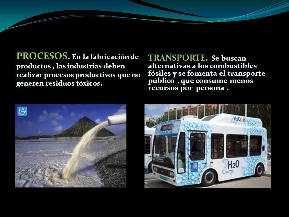 TRANSPORTE. Se buscan alternativas a los combustibles fósiles y se fomenta el transporte público , que consume menos recursos por persona .
