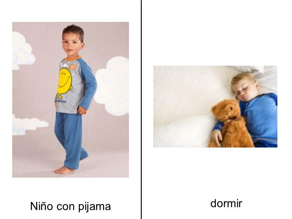 dormir Niño con pijama