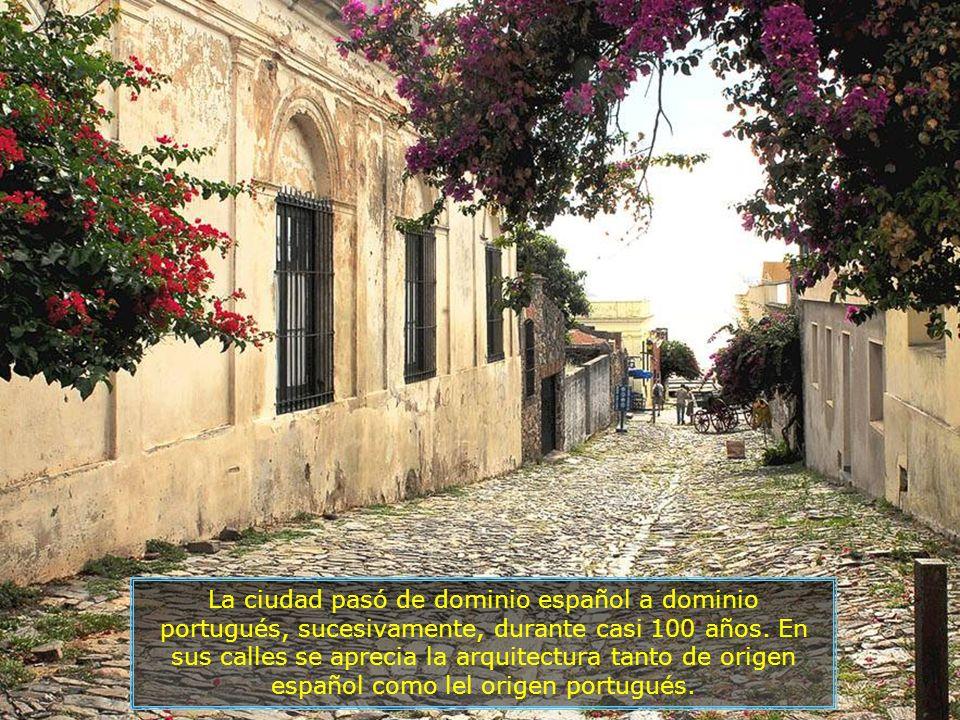 La ciudad pasó de dominio español a dominio portugués, sucesivamente, durante casi 100 años.