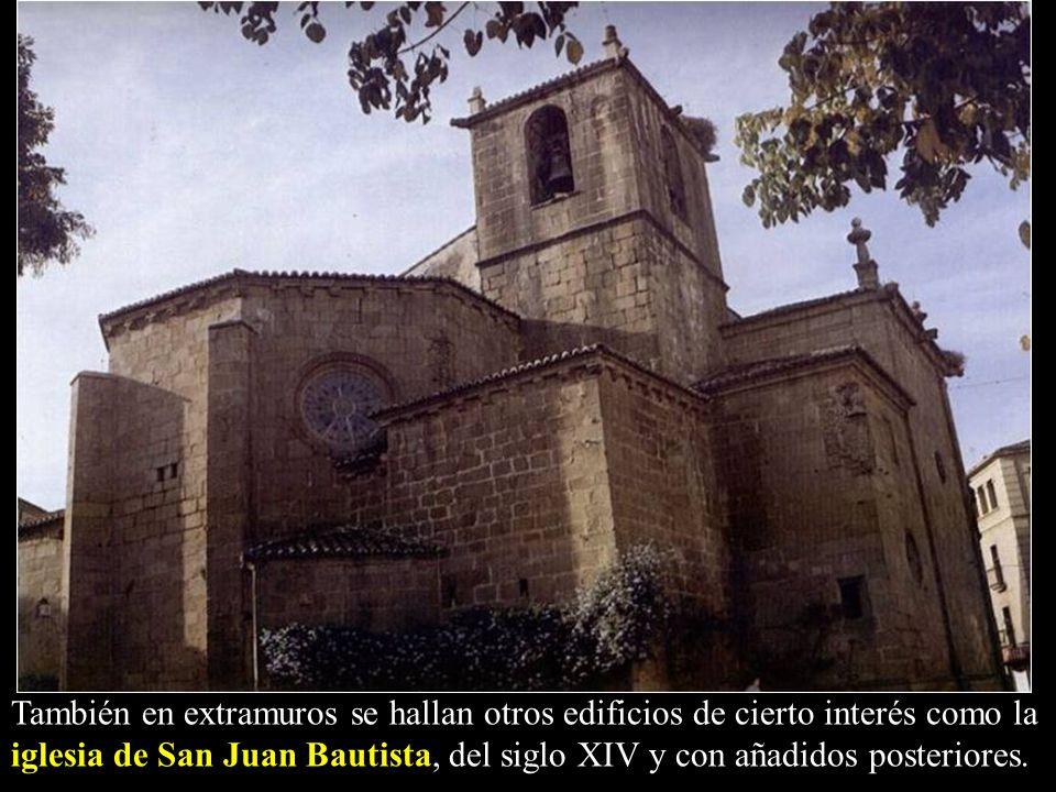 También en extramuros se hallan otros edificios de cierto interés como la iglesia de San Juan Bautista, del siglo XIV y con añadidos posteriores.