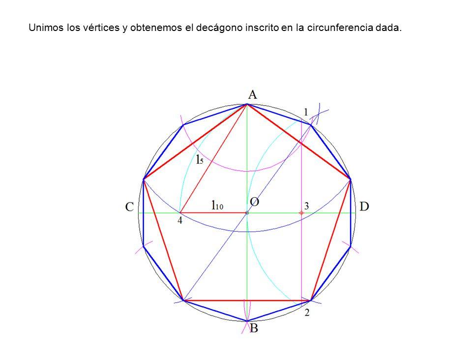 Unimos los vértices y obtenemos el decágono inscrito en la circunferencia dada.